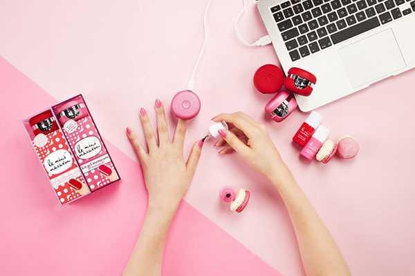 Как накрасить ногти лаком