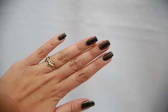 Лак на ногтях
