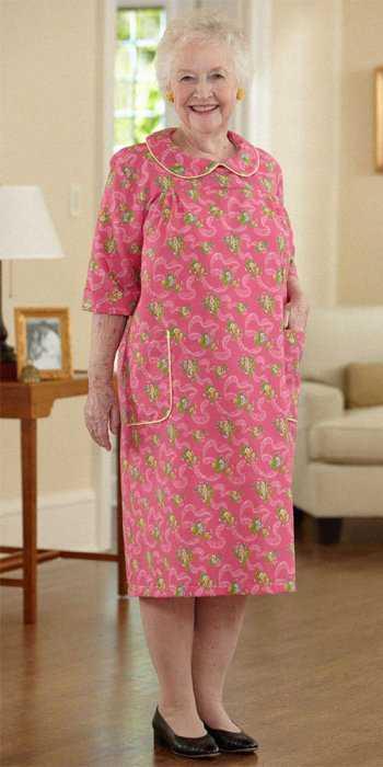 Прямое платье ниже колена