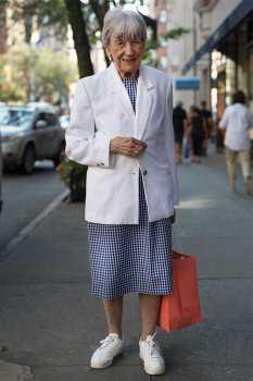 Стильная женщина в возрасте: фото 17